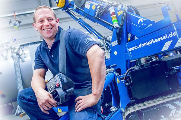 Dennis Hast Obermonteur mobil
